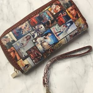 Paparazzo zippered wallet with inside compartments